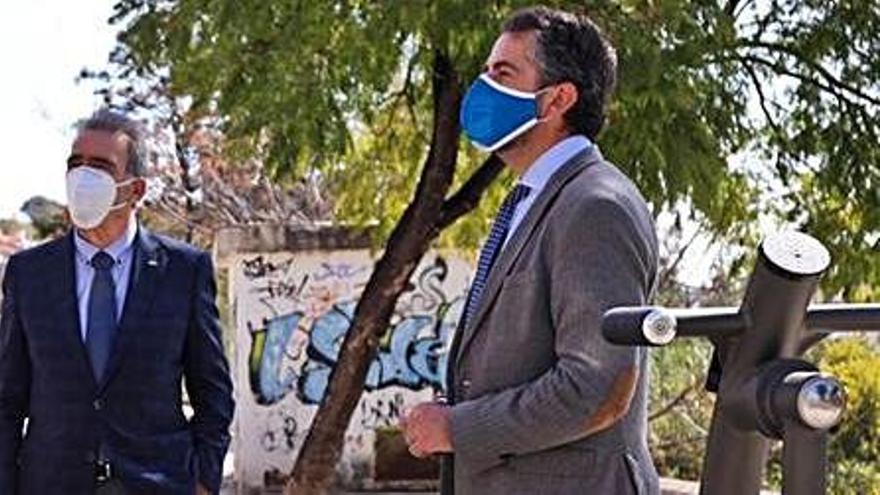 Instalan aparatos biosaludables e inclusivos en Málaga Este