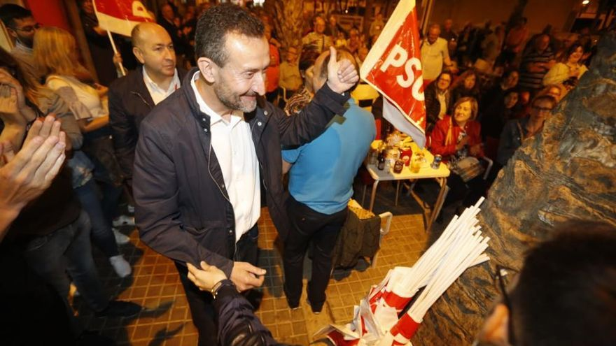 Elecciones municipales en Elche: Felicidad del PSOE después de ganar las elecciones