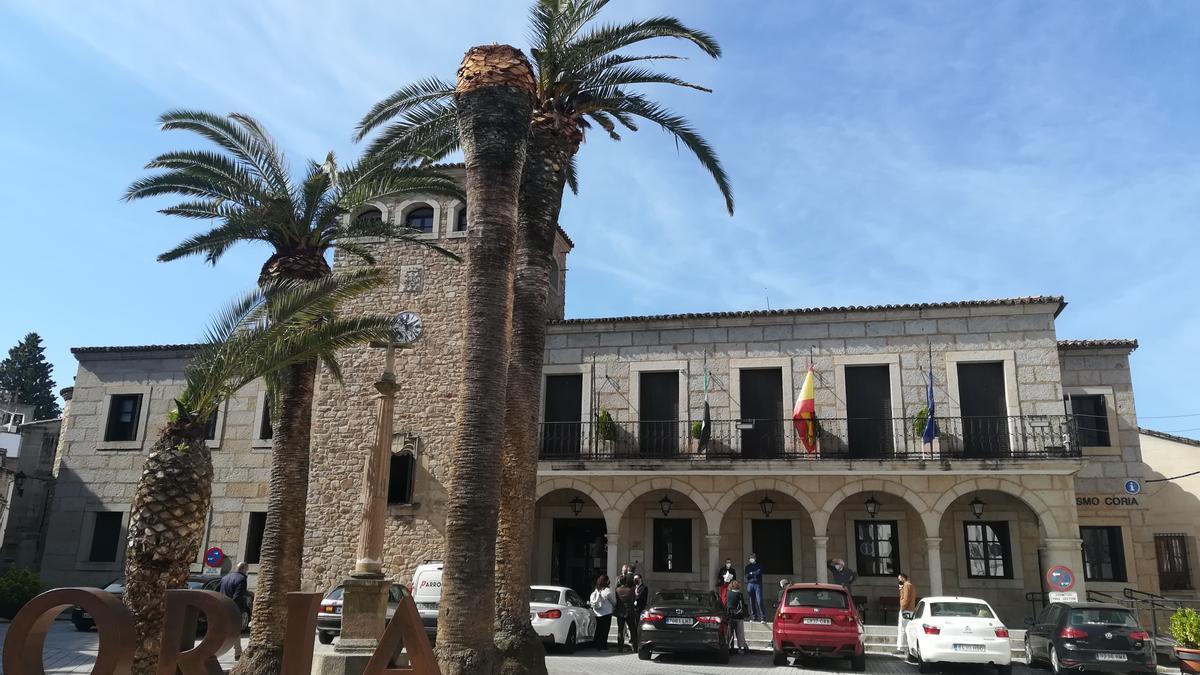 Plaza de san Pedro en la que se encuentran las dependencias municipales del Ayuntamiento de Coria.
