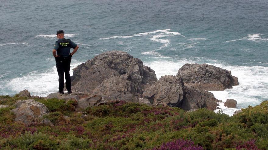 Un compañero trató de salvar al pescador asturiano desaparecido en Galicia