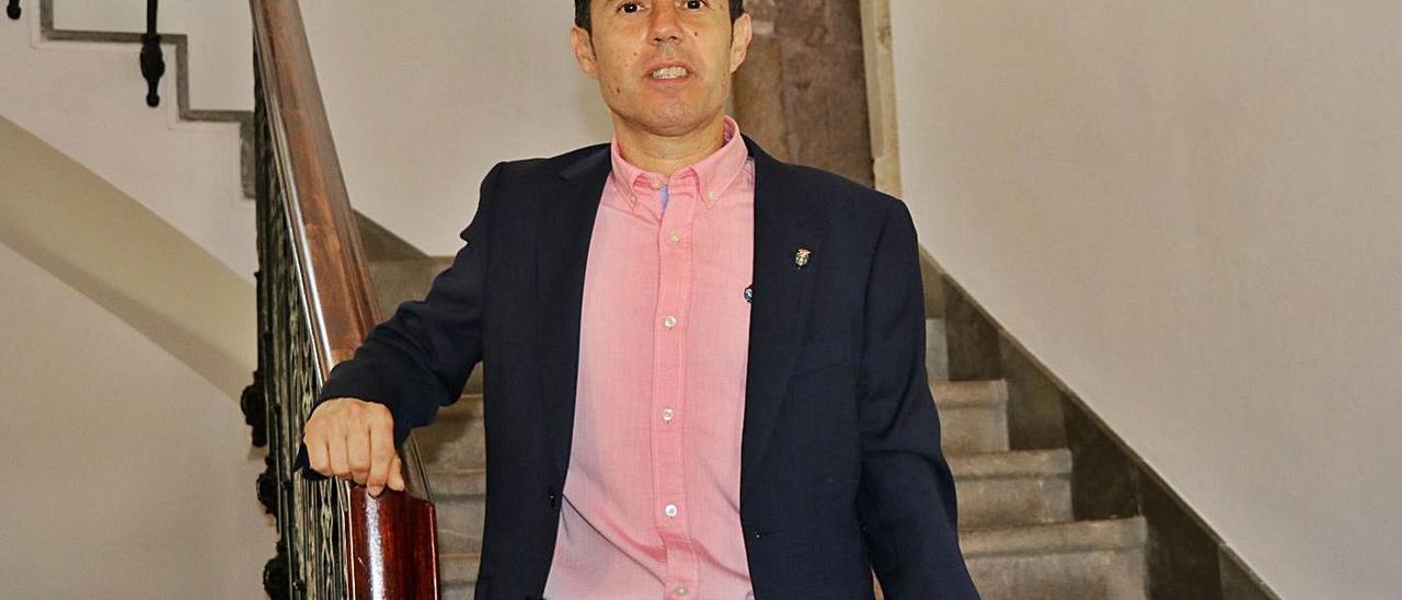 Joanma Miguel en el pleno extraordinario del viernes, cuando asumió la vara de mando de Llíria. | LEVANTE-EMV