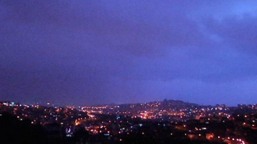 Una sinfonía de rayos resuena sobre Vigo