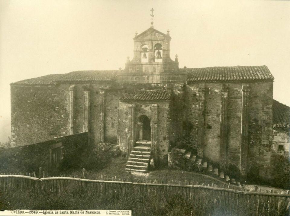Santa María del Naranco, hacia 1880 (Foto, Jean Laurent)