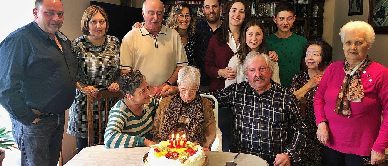 Estrella celebró su 107 cumpleaños, ayer, junto a los familiares más allegados.