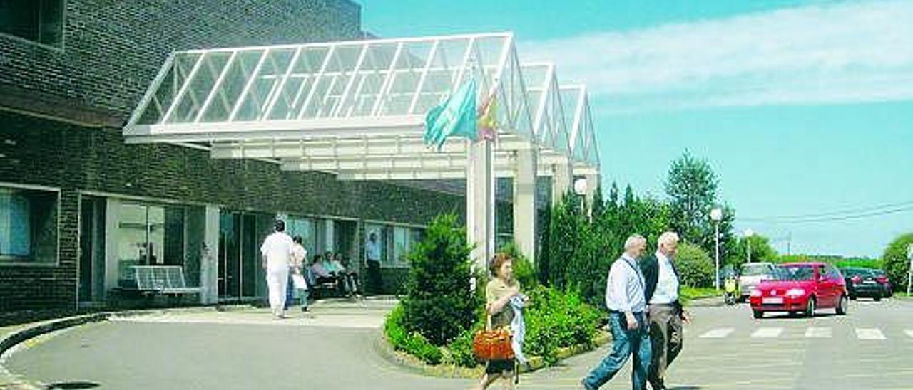 Entrada al hospital comarcal de Jarrio.