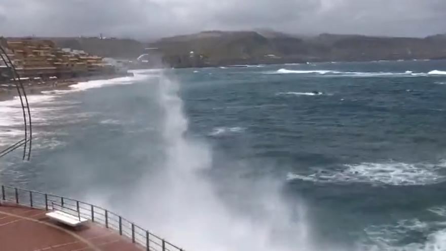 Un Lunes Santo con chubascos en Canarias