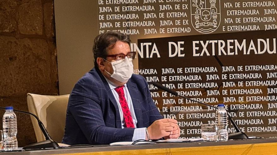 Extremadura no implantará restricciones al ocio nocturno ni a la hostelería