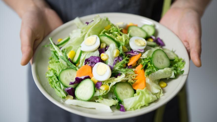 Alimentos beneficiosos para combatir el colesterol indispensables en la dieta