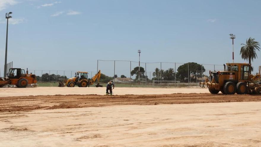 El Ayuntamiento prepara la parcela que acogerá el colegio La Paz durante las obras