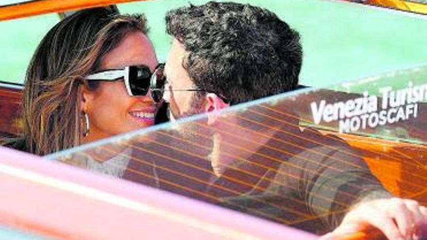 JLo y Ben Affleck pasean su amor por el Festival de Venecia