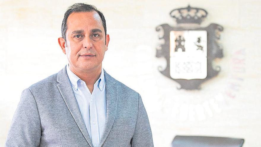 Blas Acosta dimite como presidente del Cabildo de Fuerteventura
