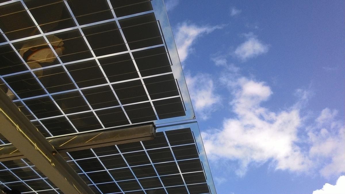 Sonne gibt es ausreichend auf Mallorca. Nun will man sie verstärkt in Strom umwandeln.