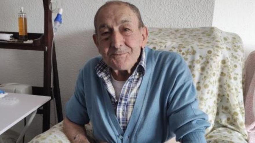 Un enfermo de 84 años lleva un mes atrapado en su casa al averiarse el ascensor