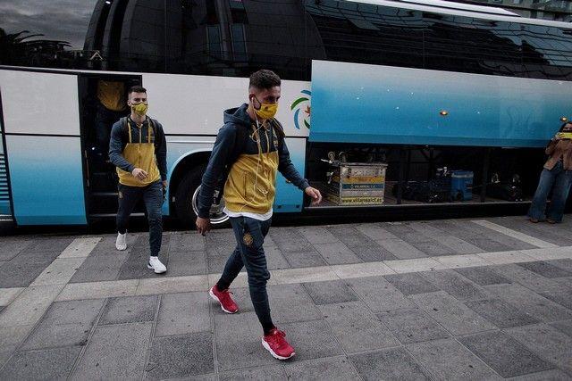 Llegada del Villarreal, oponente en la Copa del Rey del CD Tenerife, al Hotel Silken