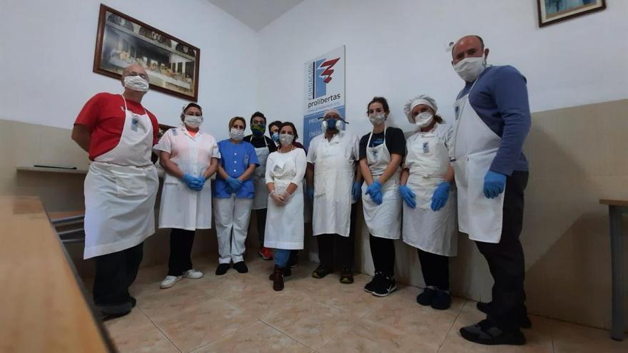 Coronavirus en Córdoba: el comedor de los Trinitarios atiende a 151 personas el Viernes Santo