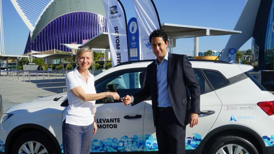 La Fundación del Oceanogràfic sobre ruedas con Levante Motor