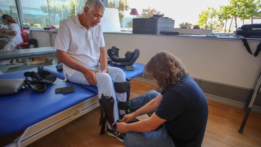 Un exoesqueleto para que los pacientes parapléjicos y tetrapléjicos puedan caminar