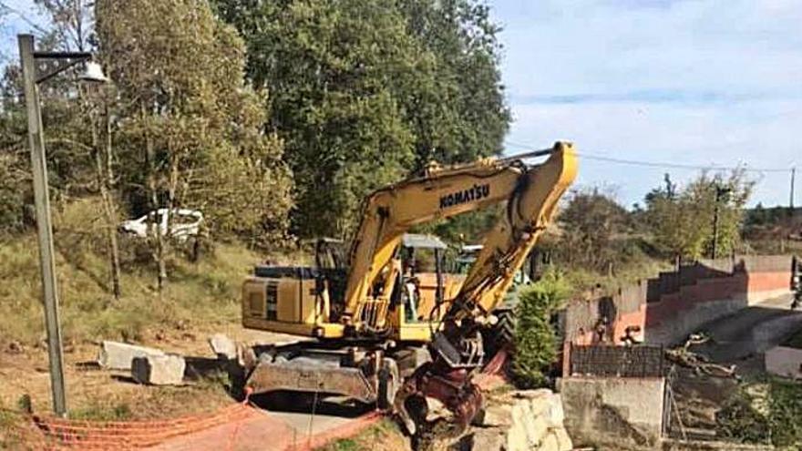 Les Planes inicia la reparació dels camins afectats pel «Gloria»