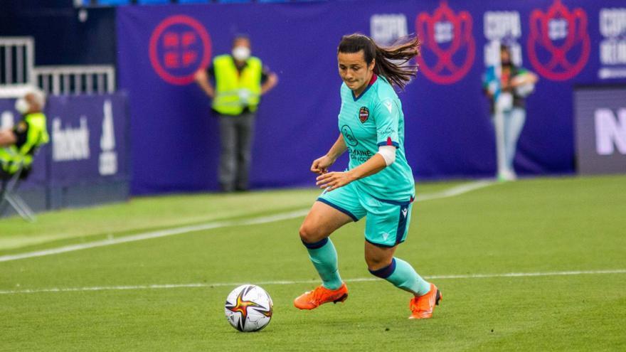 La jugadora del Levante, Lucía, será operada de ligamentos