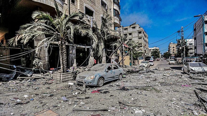 Almenys 42 morts a Gaza en la nit més intensa de bombardejos israelians
