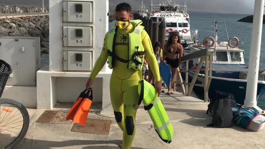 Rescatadas tres personas en aguas de La Graciosa