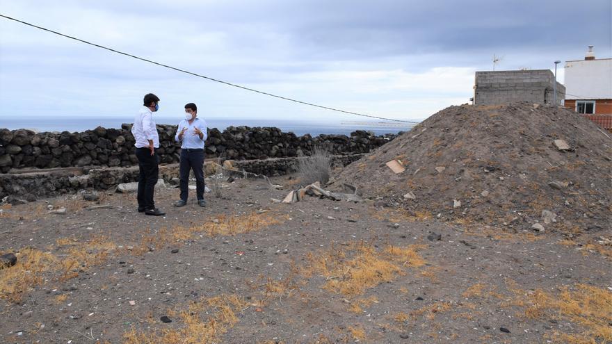 Santiago del Teide pone a disposición de VISOCAN unos terrenos en Puerto de Santiago para construir viviendas sociales