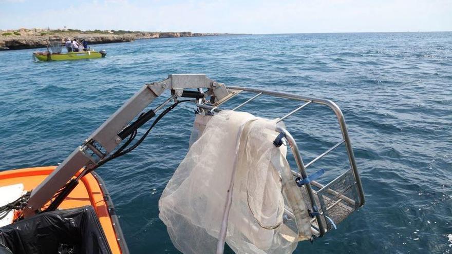 Müllboote fischen im Mai sieben Tonnen Abfall aus dem Meer um Mallorca