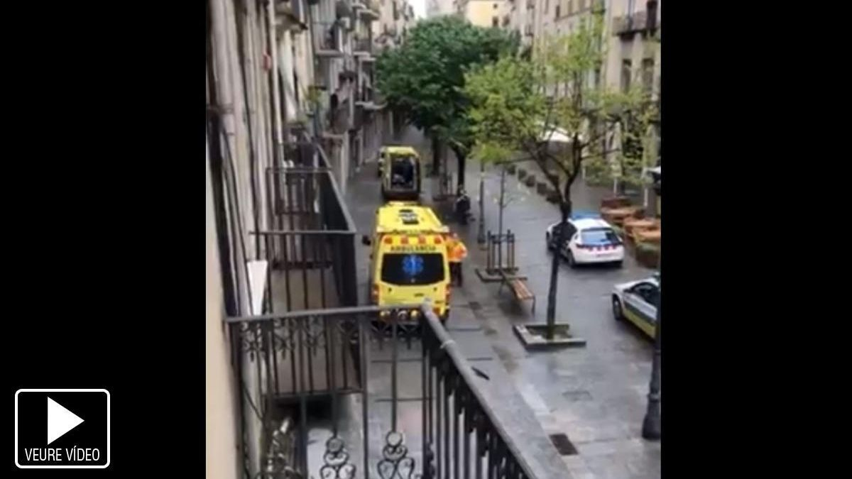 Dos ferits per arma blanca en un atracament al quiosc de la Rambla de Girona