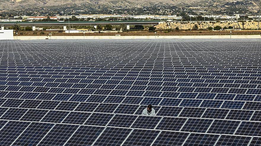 Grupotec impulsa en España parques solares con un coste de 560 millones