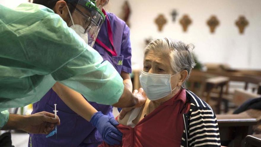 Más de 40 nuevos diagnósticos sacuden las residencias gallegas
