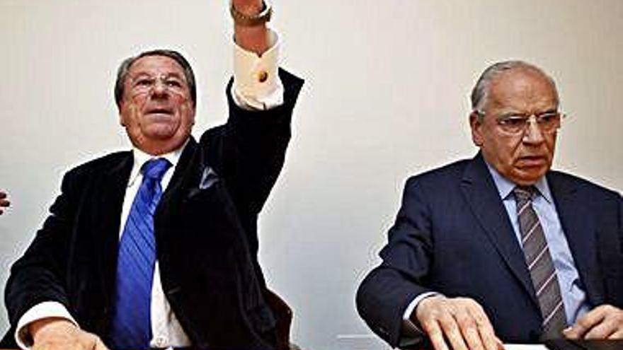 """Guerra ve """"absurdo"""" recomendar un pacto entre PSOE y C's"""
