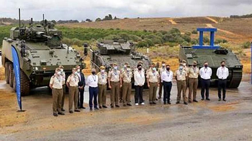 El Ejército visita en Sevilla los prototipos de los vehículos fabricados en Trubia
