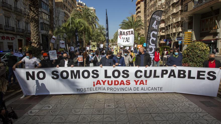 El TSJCV deniega la suspensión de las últimas restricciones pedida por hosteleros de Alicante