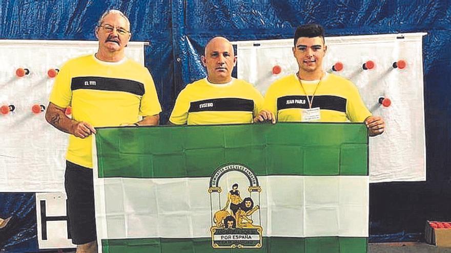 Tres campeones con el tirachinas en Los Pedroches