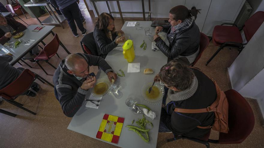 La Semana Santa de Alicante colabora con Cáritas en la ayuda contra la crisis sanitaria