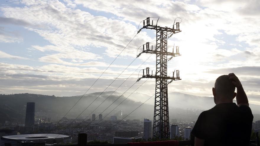 De récord en récord: este lunes el precio de la luz se sitúa en 154,16 euros por megavatio hora