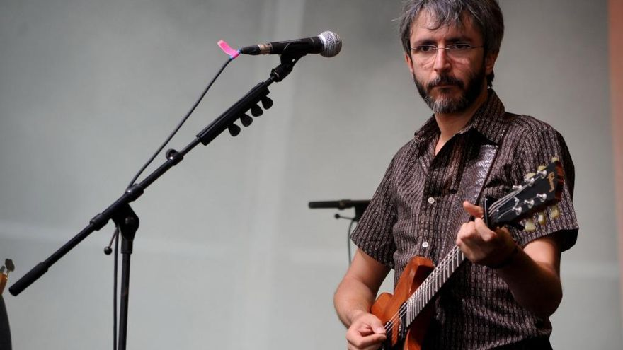 Xoel López se suma a la inauguración de Vialia