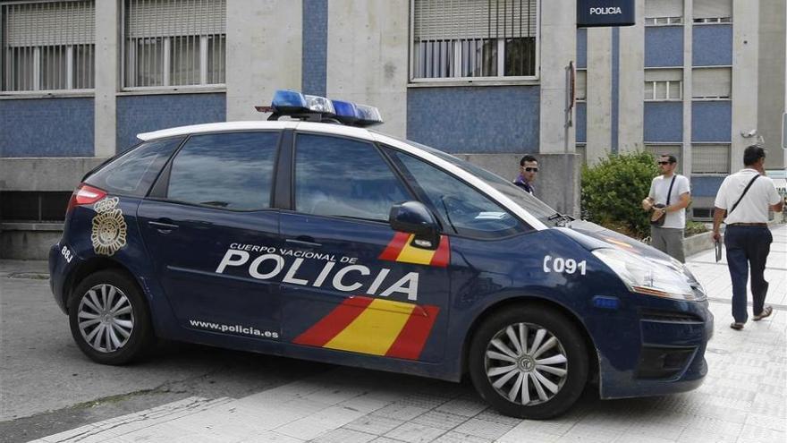 Detienen en Zaragoza a una persona por rayar coches y a dos por hurto en tienda