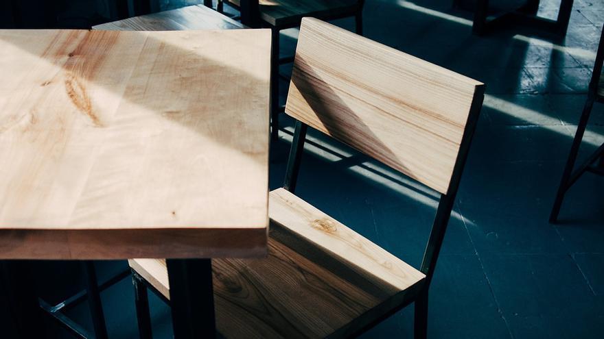 El sorprendente truco para limpiar los muebles de madera y dejarlos relucientes