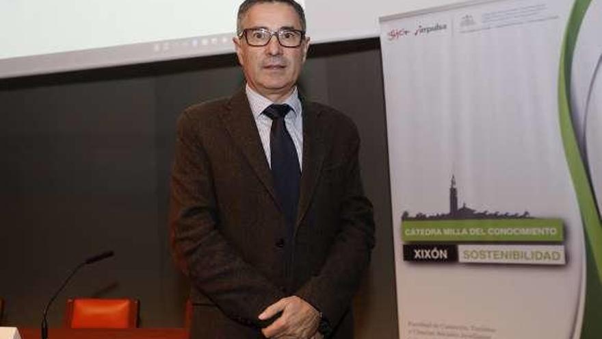 Josep Ivars destaca el potencial de Gijón como destino turístico inteligente