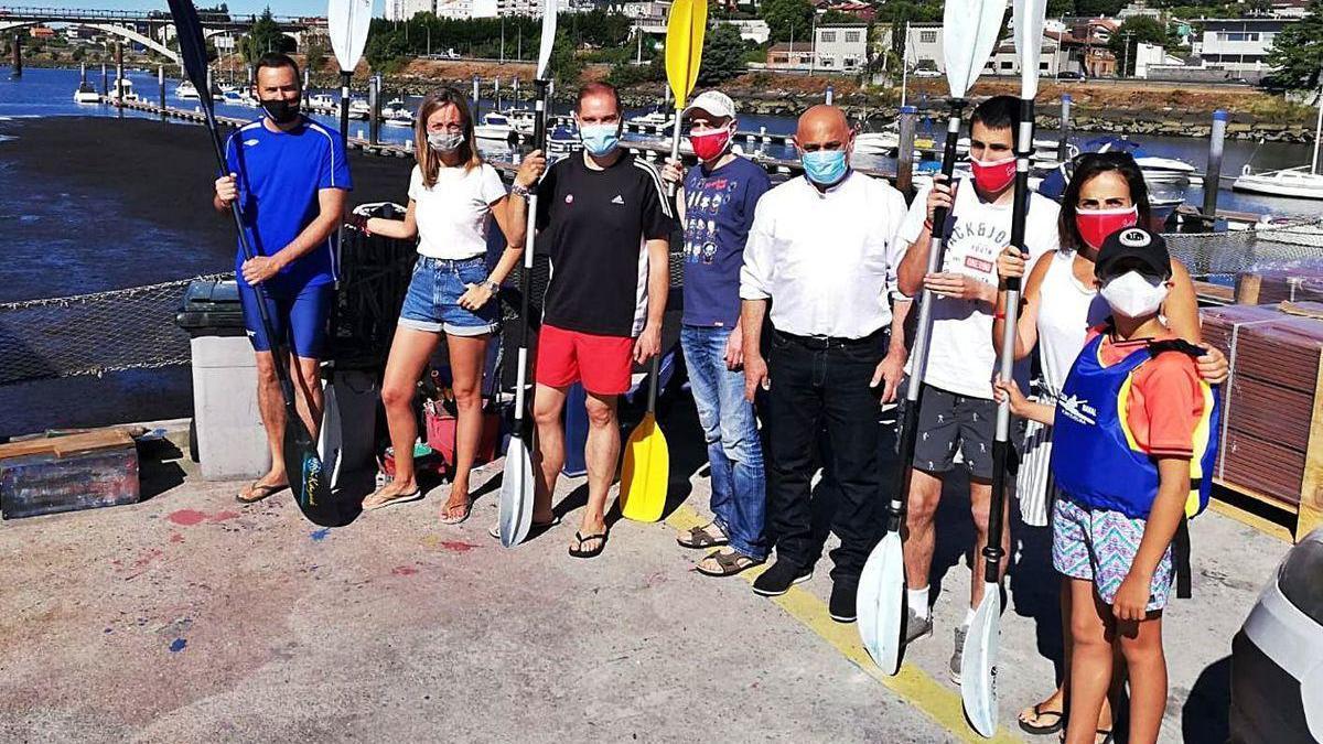 Dirigentes y militantes socialistas realizaron ayer una visita a las club Naval y al río.