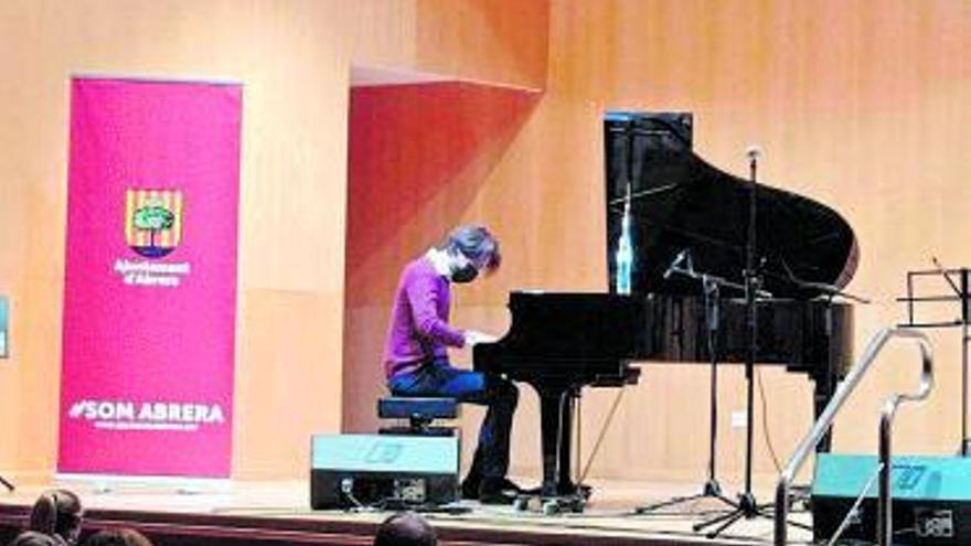 Concert de Mar Serra Grup a l'auditori del Centre Polivalent d'Abrera