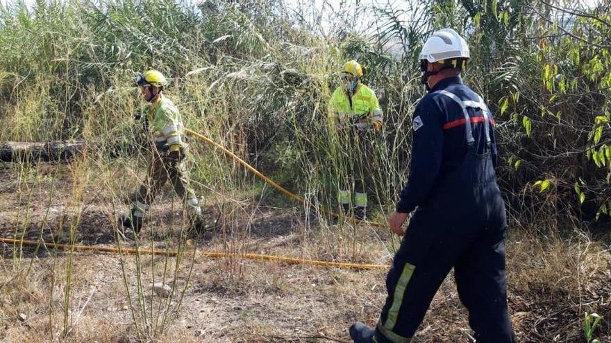 Muere un bombero al extinguir un incendio en Castellón