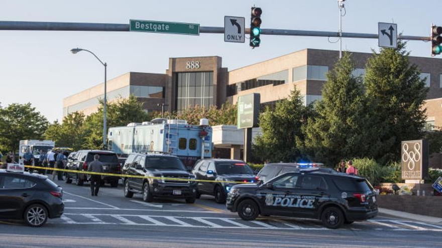 Cinco muertos en un tiroteo en un diario en Maryland