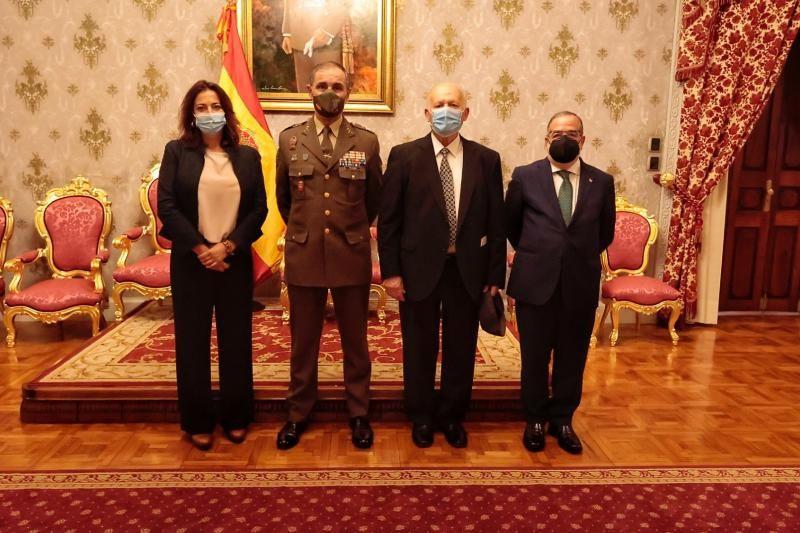 El Mando de Canarias entrega los primeros nombramientos de embajadores de la marca Ejército