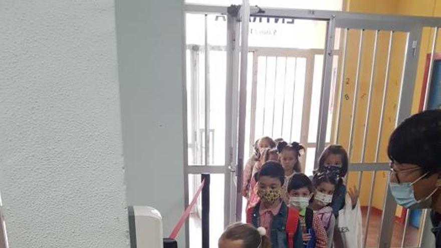 Villaviciosa: escolares a las aulas con mascarilla y separación