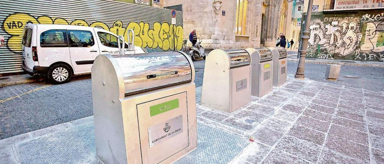 La Generalitat da un año para implantar la recogida separada de pañales y compresas