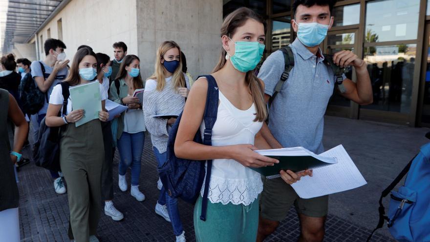 Sanidad estudia vacunar a estudiantes de entre 12 y 16 años antes del inicio del curso escolar
