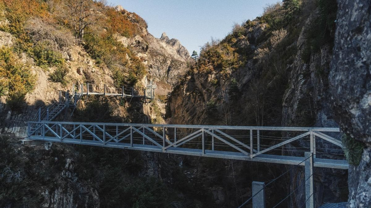 Panticosa estrena las pasarelas, el nuevo atractivo turístico del Pirineo