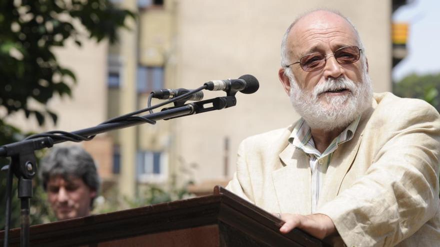 Mor l'economista i pacifista Arcadi Oliveres